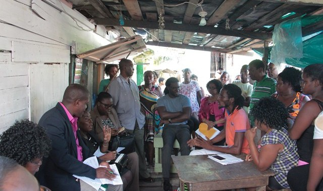 Ministers of MOC & MOPH Meet with Lambert Street Squatters